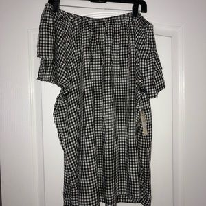 Tops - NWT Black and White Off Shoulder